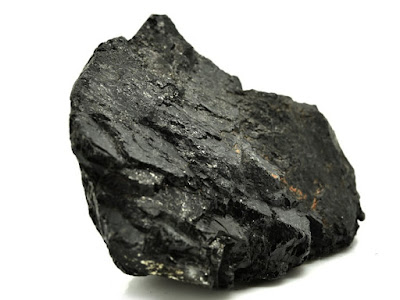 The most common color of tourmaline is black tourmaline, with even 95%, while the rest of the group varies in color.