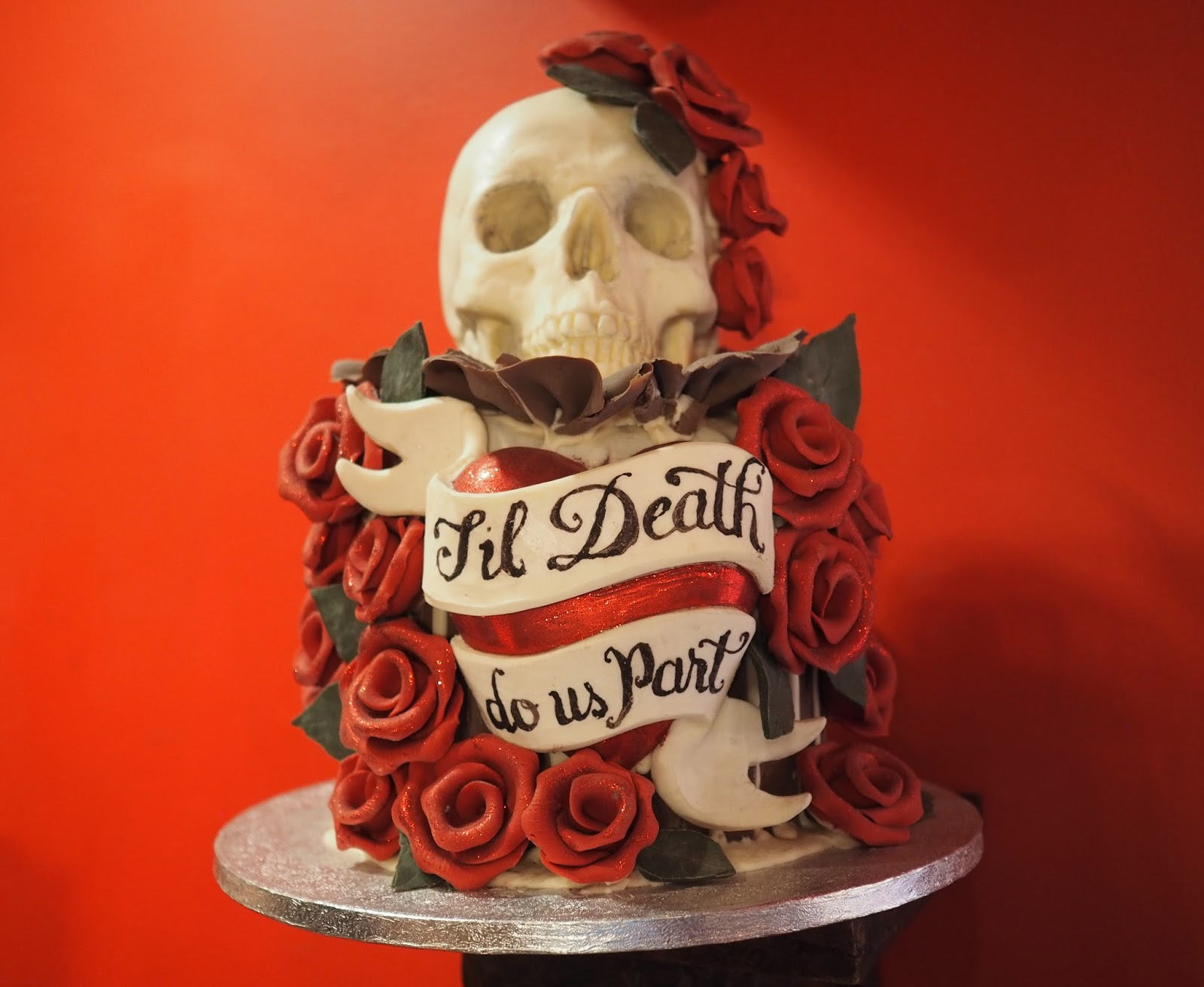 Choccywoccydoodah skull wedding cake