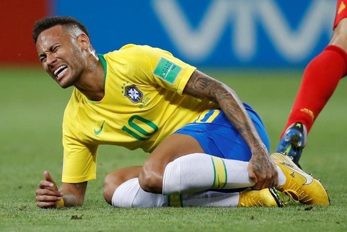 Neymar explica sus caídas y exageraciones en la cancha