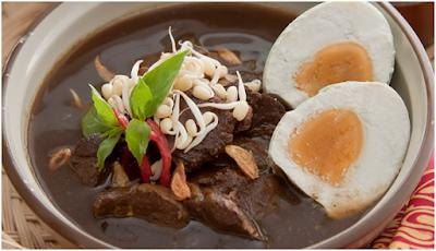 resep menu olahan daging sapi berikut ini antara lain adalah; resep dendeng ragi, resep rawon hitam, resep bestik sapi dan resep gule sapi lengkap dengan cara membuat dan saran penyajian.,resep menu olahan daging sap