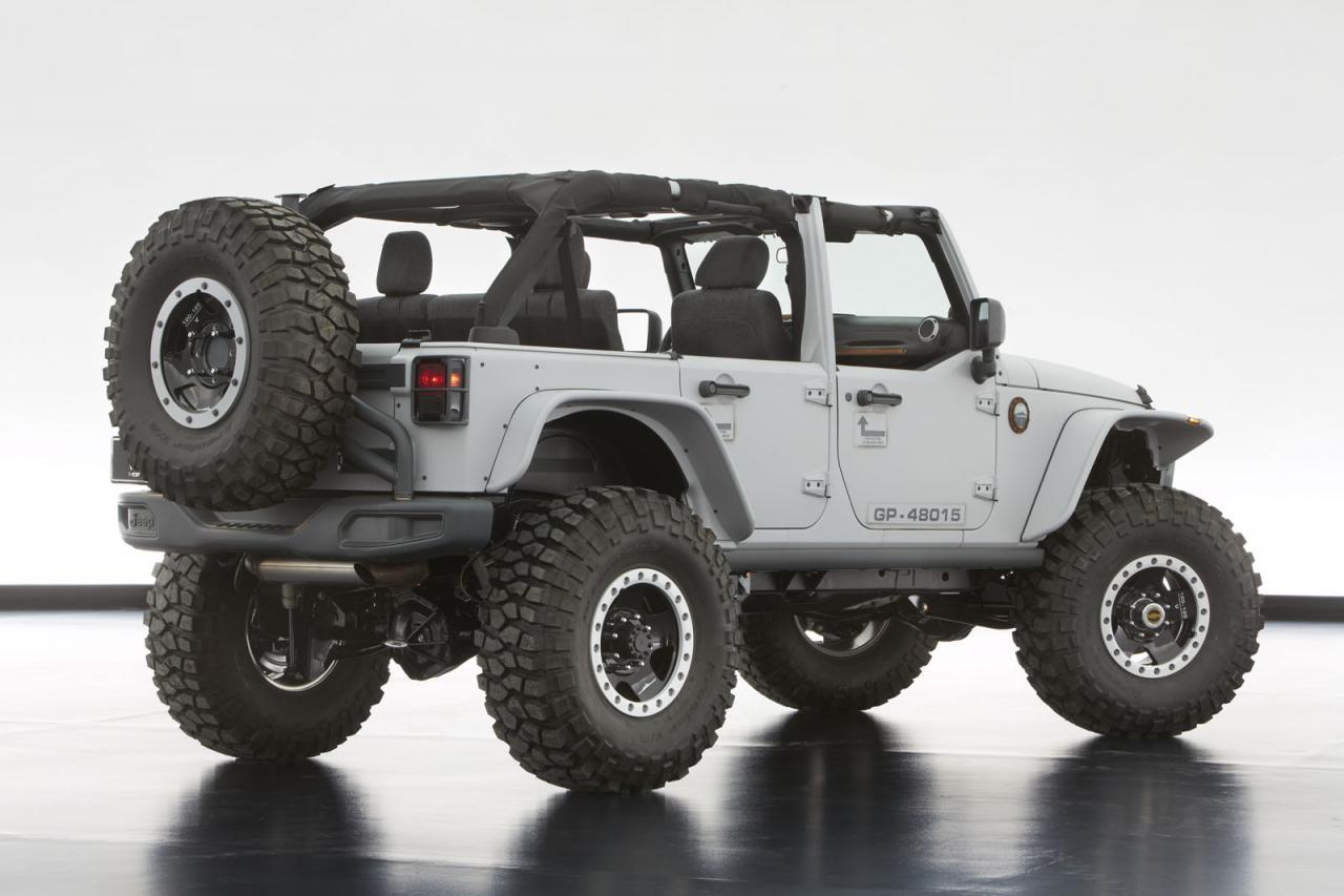 [Resim: Jeep+Wrangler+Mopar+Recon+2.jpg]
