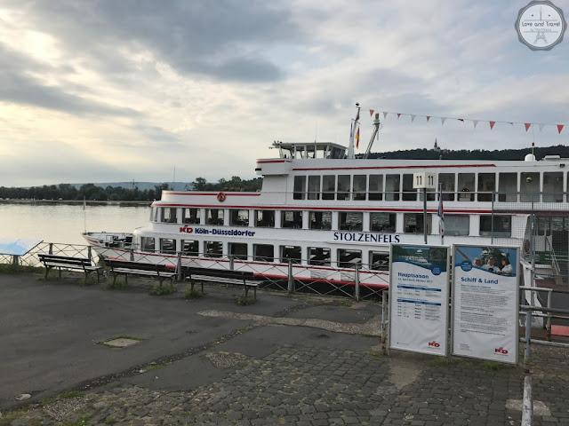 passeio de barco pelo rio reno na alemanha