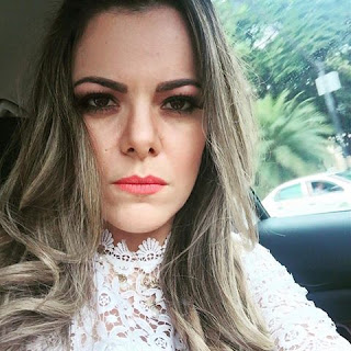 Cantora Ana Paula Valadão sugere boicote contra lojas C&A por impôr ideologia de gênero em seus anúncios publicitários.