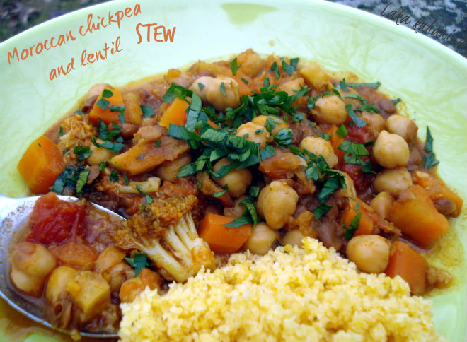 Moroccan chickpea and lentil stew by Laka kuharica:  this flavorful stew is ideal for the UN diet.