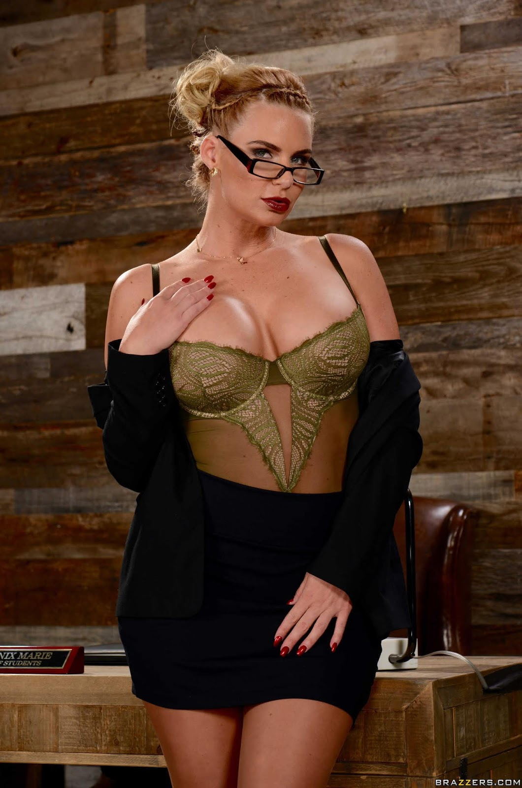Phoenix-Marie-%3A-Breaking-And-Entering-And-Insertion-%23%23-BRAZZERS-g6vw8wpz5w.jpg