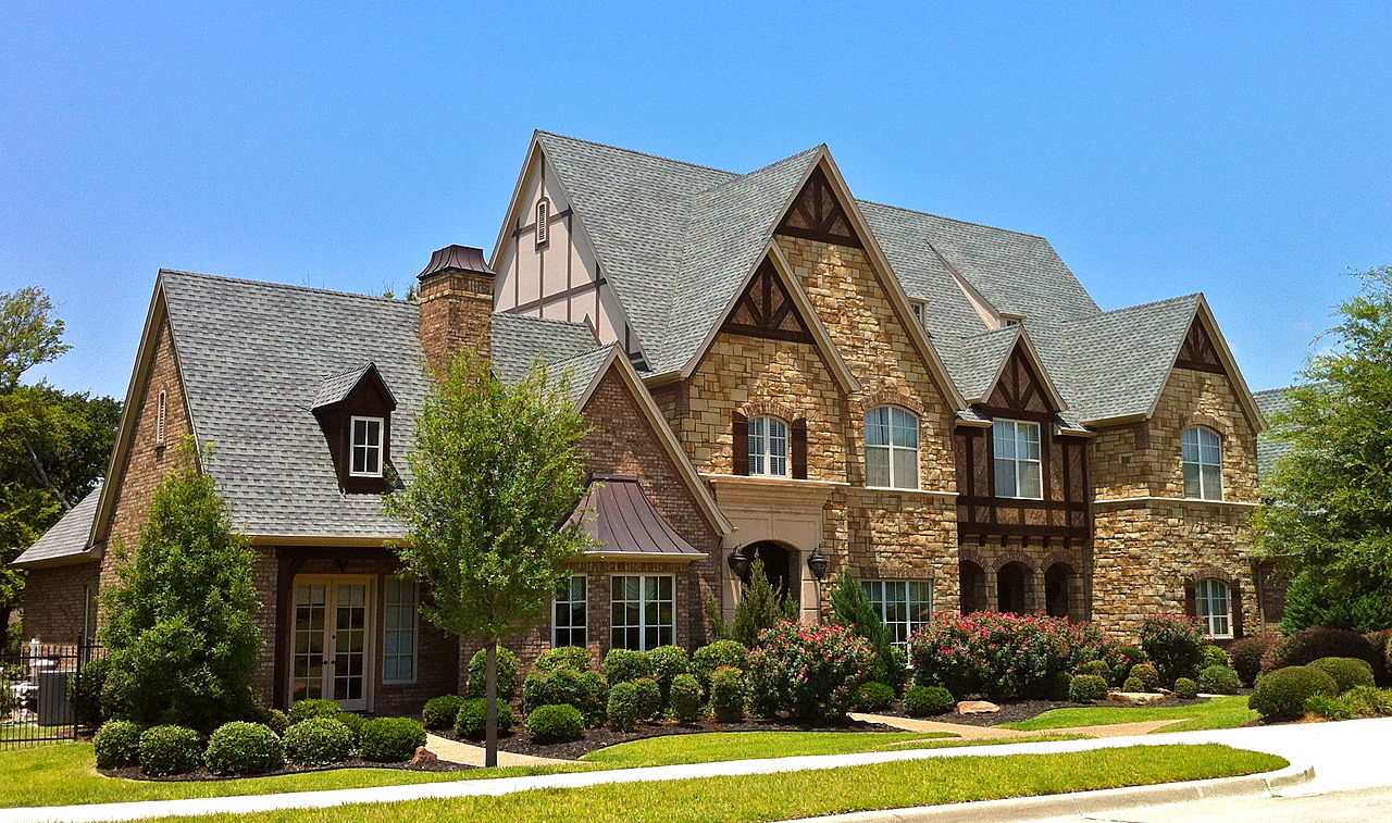 My two cents i 39 m all about tudor style houses for Castle style homes for sale