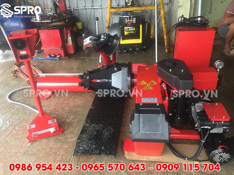 www.123nhanh.com: Bán Máy tháo lốp xe tải hạng nặng, ra vào vỏ xe mỏ, xe c