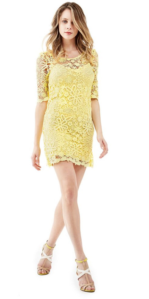 Robe courte Guess jaune en dentelle
