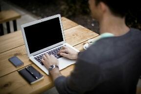 Bisnis mahasiswa bidang blogger atau publisher
