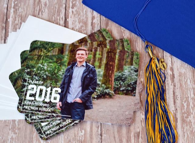 senior graduation photo announcements