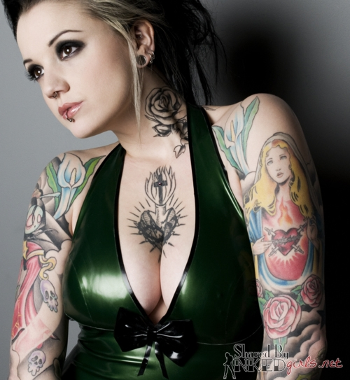 Sexy Places To Be Tattooed For Women