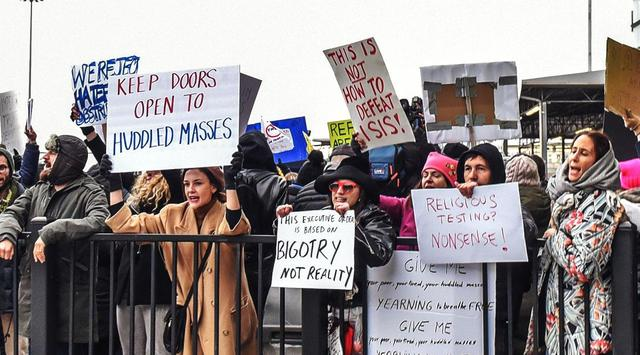 5 Kisah Miris Warga dari Negara Muslim yang Ditolak Masuk AS