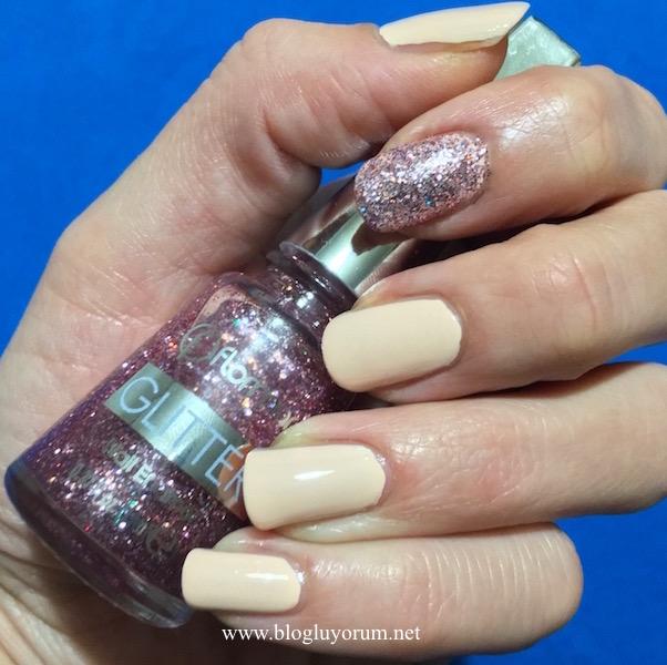 Flormar Glitter GL15 Red in Silver oje