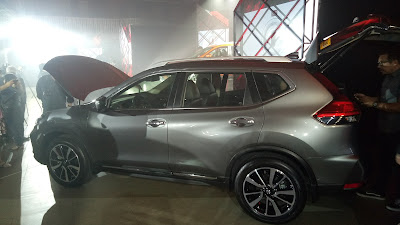 Nissan X-TRAIL in Gun Metallic