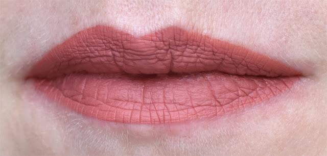 Kat von D Everlasting Liquid Lipstick - Lolita II - Swatches & Tragebild