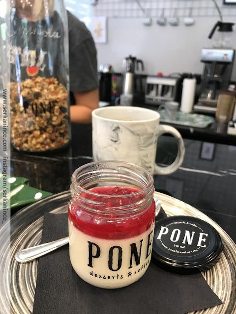Pone Desserts & Coffe panna cotta