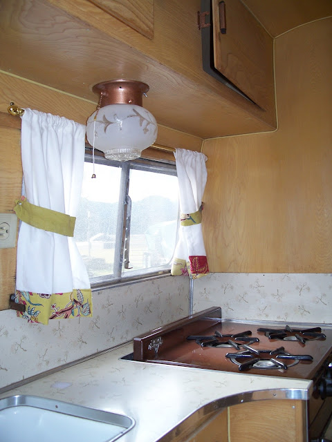Before After 1963 Bi Level Remodeling In Boulder: High Prairie Farmgirl: Inside The 1963 Aloha Trailer