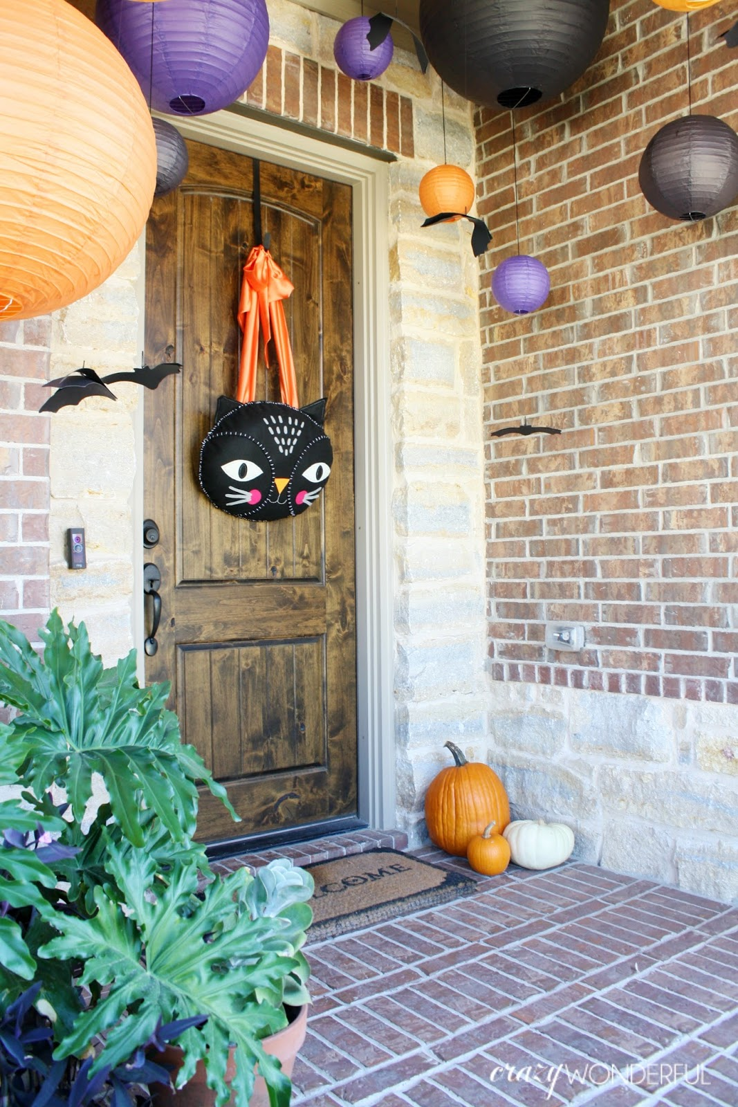 Halloween porch decorations crazy wonderful for Pinterest halloween outdoor decorations