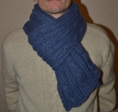 ed351ec3575 Comment tricoter une jolie écharpe d hiver pour homme   - Des ...