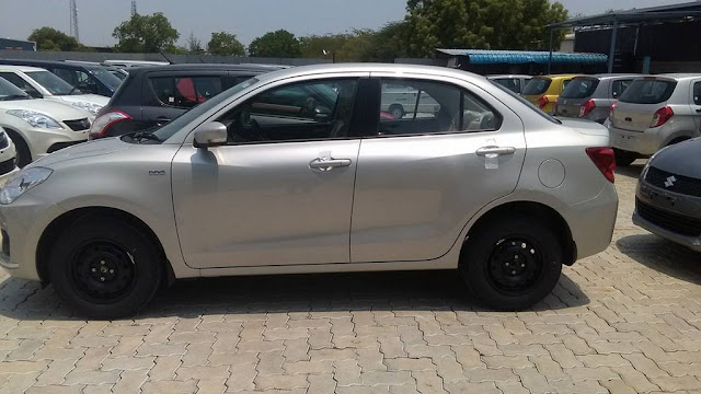 2017 Maruti Suzuki Dzire side look
