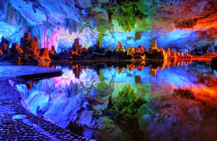 10. The Reed Flute Cave, Guilin, Guangxi, China - Top 10 Incredible Beauties Hidden in the Caves