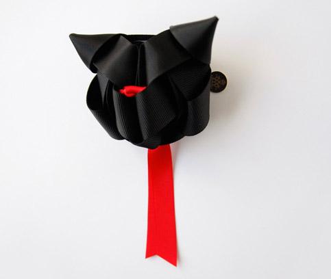 black cat bow