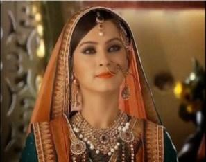 Biodata Lavina Tandon (Pemeran Ruqaiya Sultan Begum)
