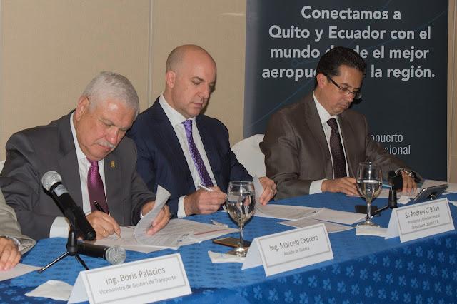 Aeropuertos de Quito y Cuenca firman convenio de cooperación para gestión de operaciones