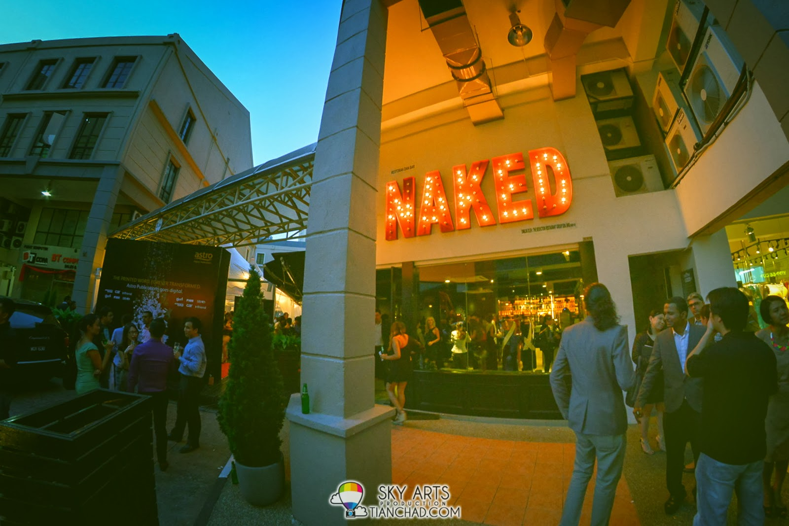 If you feel like getting 'naked', go visit the  NAKED Restaurant and Bar at Plaza Damas