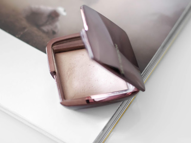 hourglass pudr ambient lighting powder dim light recenze