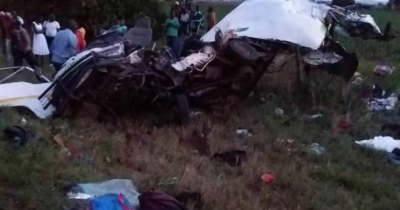 11 KILLED IN HORROR KOMBI CRASH