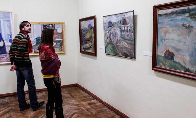 Выставка картин Натальи Егоршиной открылась в Абрамцеве
