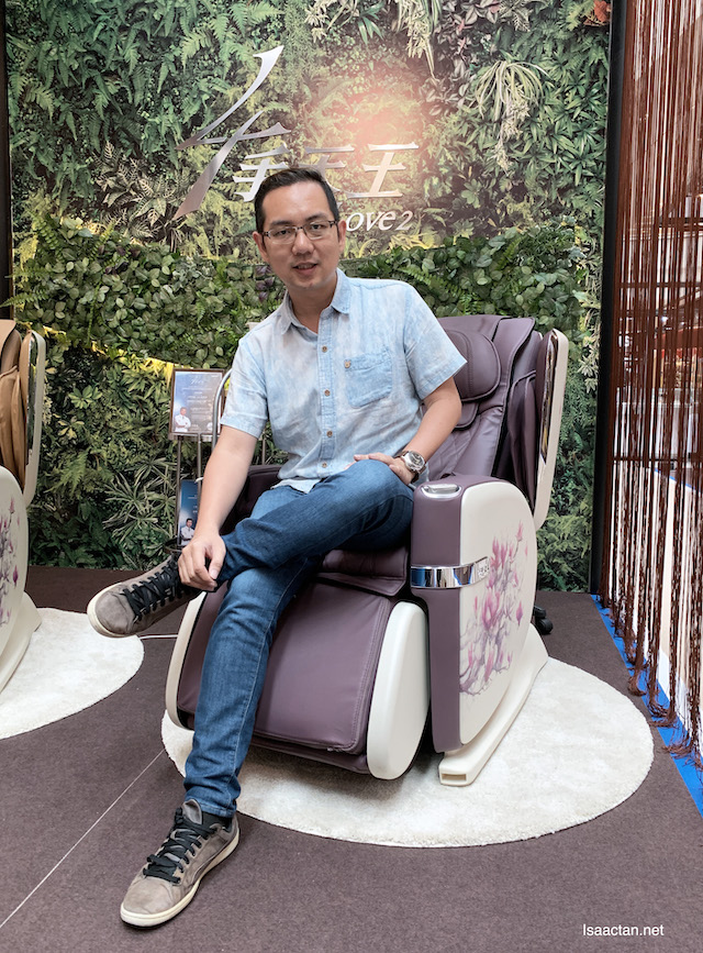 Trying out the OSIM's latest uLove 2 Massage Chair