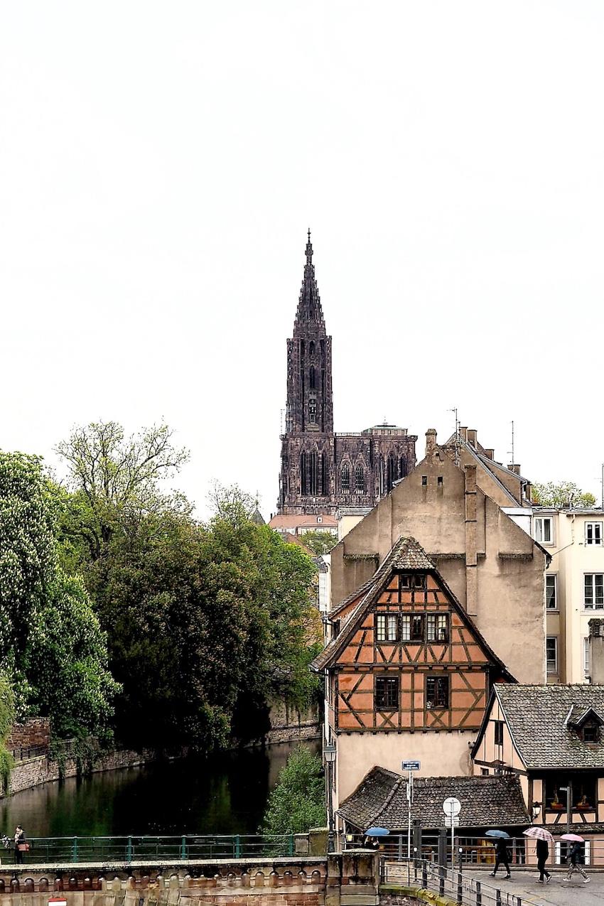 Straßburger Münster, oder auch: Liebfrauenmünster/La Cathédrale Notre-Dame genannt