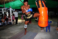 Buakaw muay thai flying knee strike