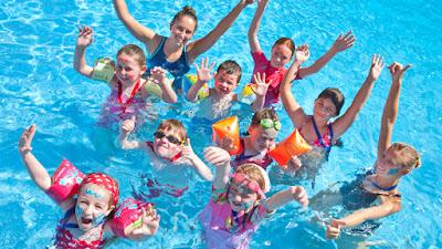 oorwurm kinderliedje zwembad animatieteam kids fun