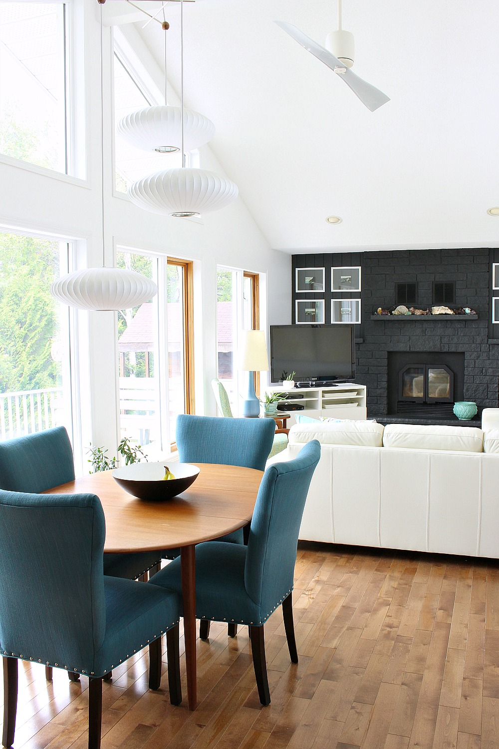 Lake House Living Room Decor // Mid-Century Modern Inspired Lakeside Bungalow