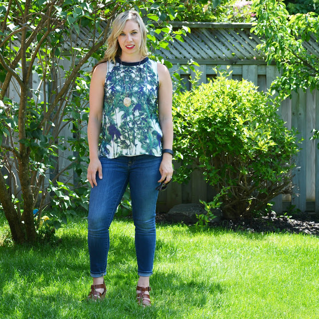 palm tree print top with jeans and red lipstick