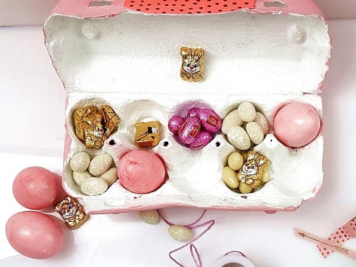 rosa Osternest im rosa Eierkarton