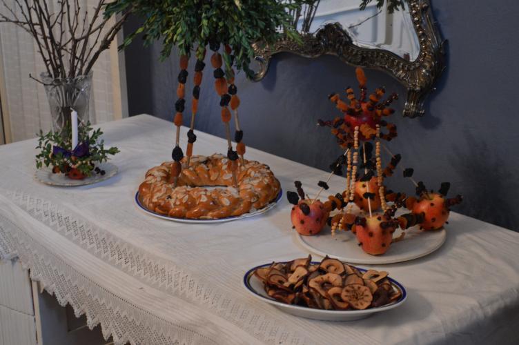 czech christmas traditions, georgiana quaint, české vánoce, vánoční zvyky, yule traditions, mikulášský vrkoč, štedrý den