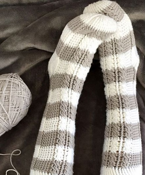 Harlow Cable Socks - Crochet Pattern