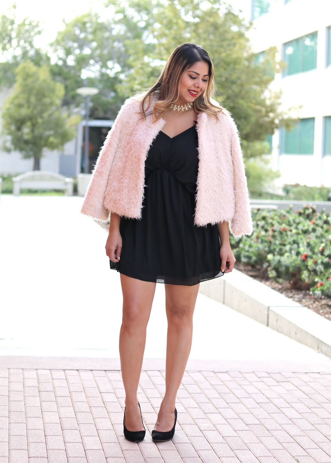 Faux Fur and LBD Holiday Look, latina fashion blogger, mexican fashion blogger