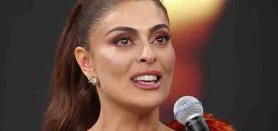A atriz chorou ao receber a estatueta no Domingão do Faustão