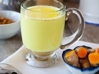 Secangkir Susu Kunyit Mampu Mengobati Sakit Flu dan Batuk