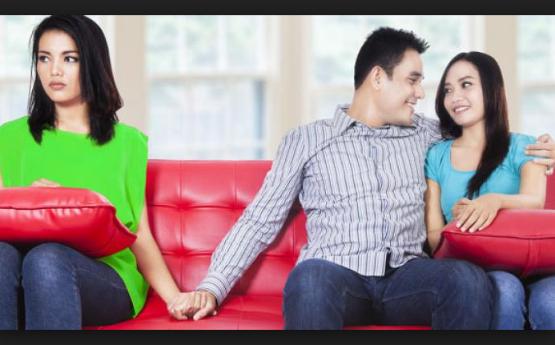10 Tanda Ini dapat Membuktikan Kalau Pasangan Anda Telah Berselingkuh!!