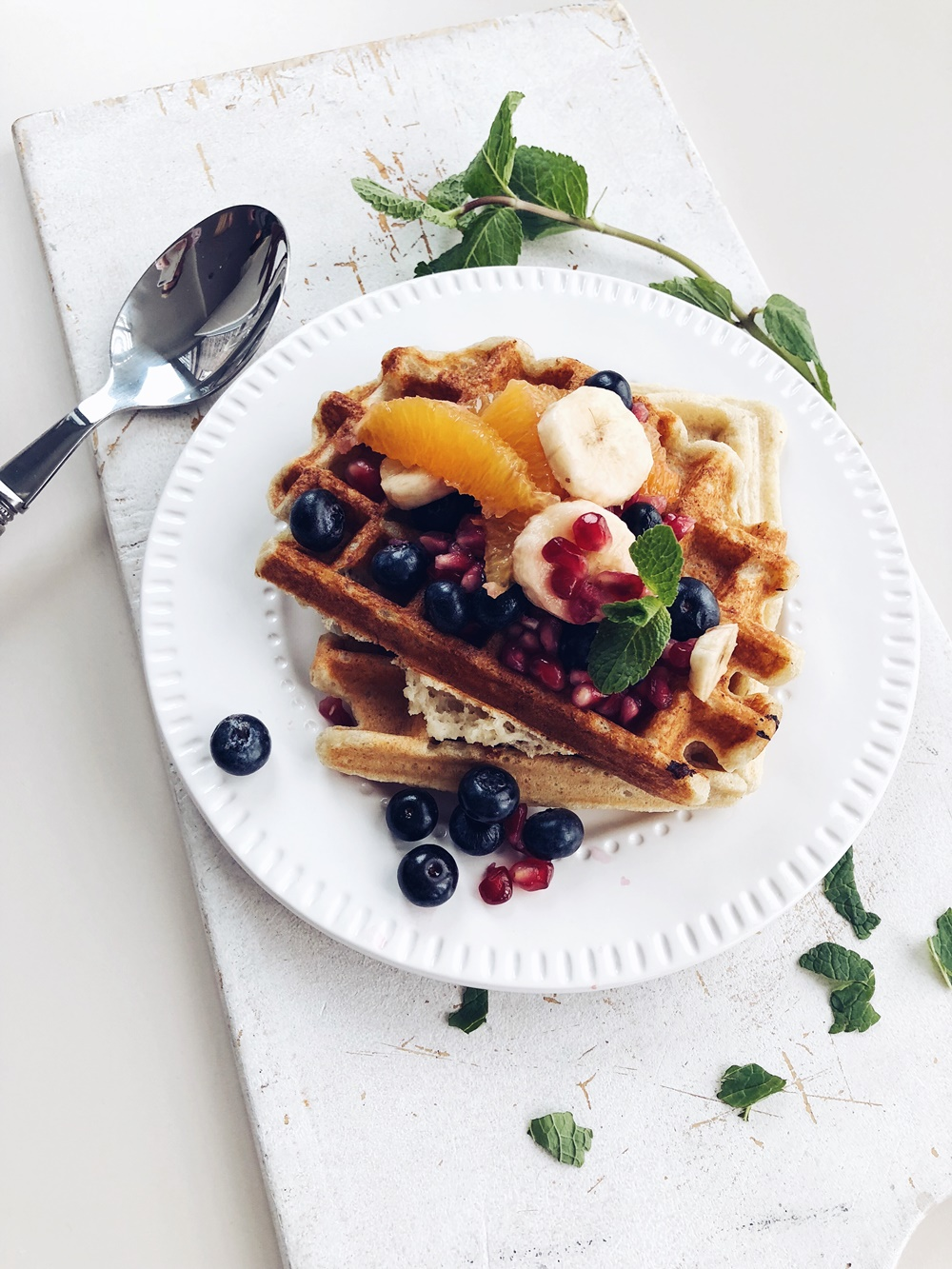 bananen waffeln mit obstsalat fashion kitchen. Black Bedroom Furniture Sets. Home Design Ideas