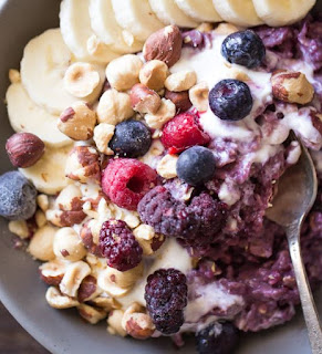http://lovelylittlekitchen.com/triple-berry-oatmeal-breakfast-bowl/