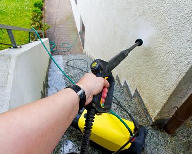 pulire-i-muri-esterni-di-casa-con-idropulitrice