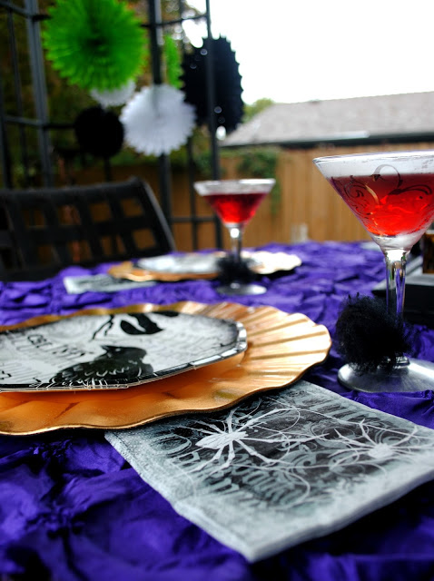 Halloween outdoor dessert party by Fizzy Party