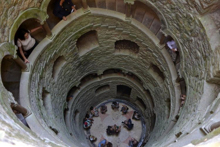 Le puits initiatique du Palais de la Regaleira